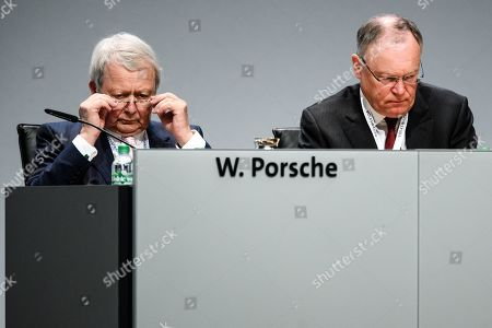 Chairman of the supervisory board of Porsche Automobile Holding SE and VW supervisory board member Wolfgang Porsche (L) and Premier of Lower Saxony Stephan Weil during the Volkswagen AG annual general meeting (AGM) in Berlin, Germany, 14 May 2019. Volkswagen shareholders are gathering for the annual shareholders' meeting in Berlin. Volkswagen announced a day earlier to start an own production of batteries in Germany.
