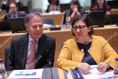 Enzo Moavero Milanesi, Elisabetta Trenta. Italy's Foreign Minister Enzo Moavero Milanesi, left, talks to Italy's Defence Minister Elisabetta Trenta during an EU Foreign and Defence Ministers meeting with their counterparts of the G5 Sahel countries at the European Council headquarters in Brussels