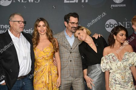 Ed O'Neill, Sofia Vergara, Ty Burrell, Julie Bowen, Sarah Hyland. Ed O'Neill, from left, Sofia Vergara, Ty Burrell, Julie Bowen and Sarah Hyland attend the Walt Disney Television 2019 upfront at Tavern on The Green, in New York