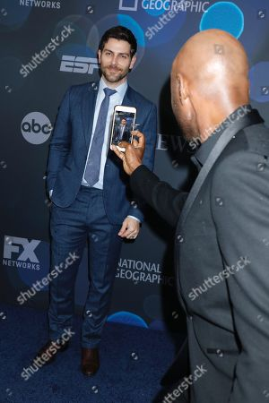 David Giuntoli and Romany Malco