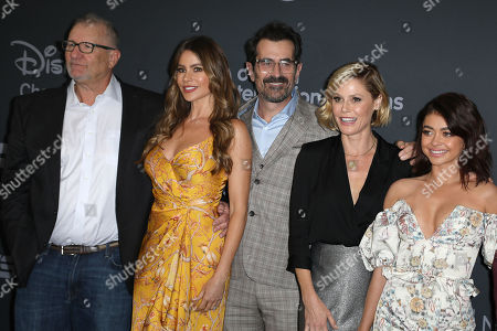 Ed O'Neill, Sofia Vergara, Ty Burrell, Julie Bowen and Sarah Hyland