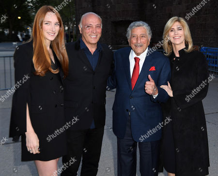 Tony Bennett, Susan Crow and guests