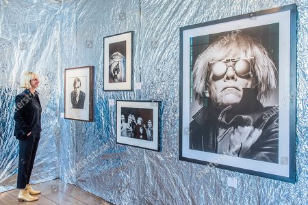 Photos of Andy Warhol by various artists (main picture by Albert watson) in Camera Work