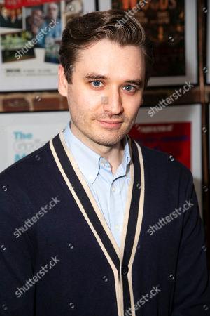 Seth Numrich (Val Xavier)