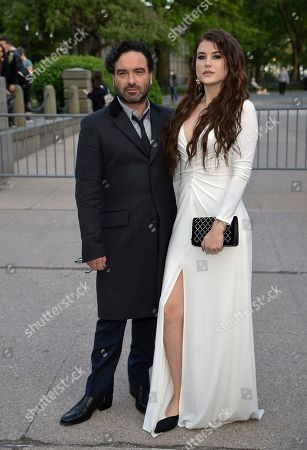 Johnny Galecki, Alaina Meyer. Actor Johnny Galecki, left, and girlfriend Alaina Meyer attend the Statue of Liberty Museum opening celebration at Battery Park, in New York