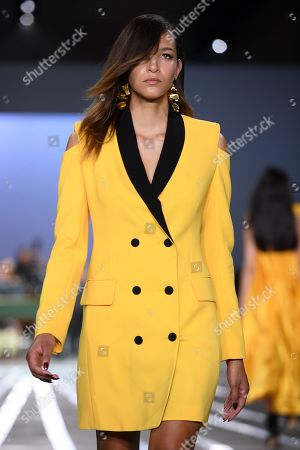 A model presents a creation by Carla Zampatti during Mercedes-Benz Fashion Week Australia in Sydney, Australia, 16 May 2019. The fashion event runs from 12 to 17 May.
