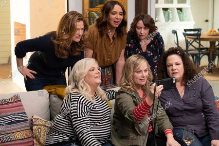 Ana Gasteyer as Catherine, Maya Rudolph as Naomi, Rachel Dratch as Rebecca, Paula Pell as Val, Amy Poehler as Abby and Emily Spivey as Jenny