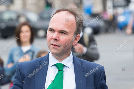 Gavin Barwell enters The Houses of Parliament