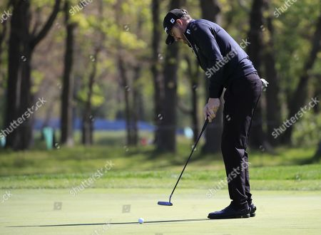 Jimmy Walker of the US putts on the ninth hole during the first round of the 2019 PGA Championship at Bethpage Black in Farmingdale, New York, USA, 16 May 2019. The Championship runs from 16-19 May.