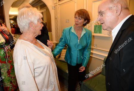 Judi Dench, Celia Imrie, guest