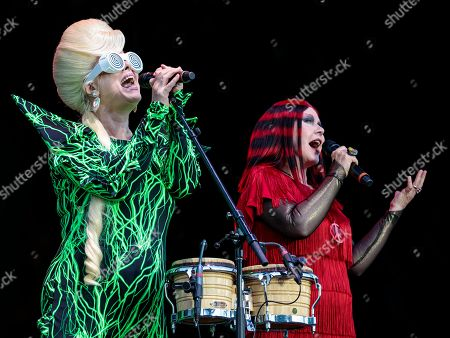 The B-52's - Cindy Wilson and Kate Pierson