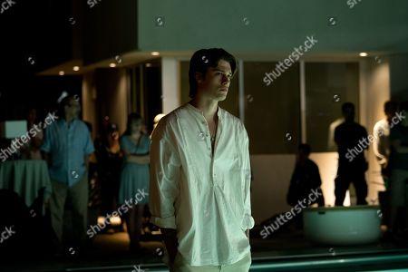 Nicholas Galitzine as Elliott Lefevre
