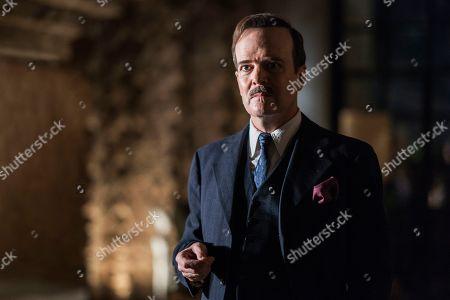 Jefferson Mays as George Hodel