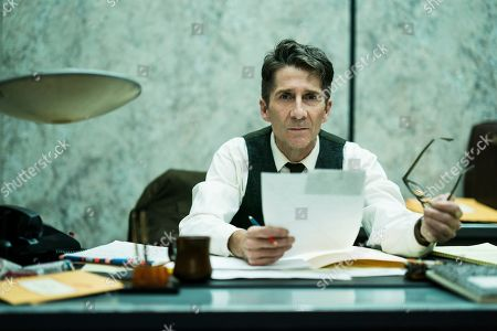 Stock Picture of Leland Orser as Peter Sullivan