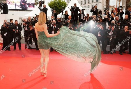 Stefanie Giesinger arrives for the screening of 'Dolor y Gloria' (Pain and Glory) during the 72nd annual Cannes Film Festival, in Cannes, France, 17 May 2019. The movie is presented in the Official Competition of the festival which runs from 14 to 25 May.