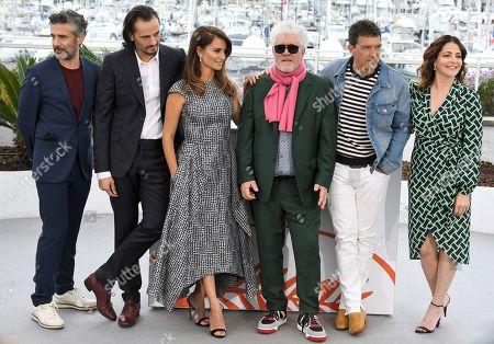 Leonardo Sbaraglia, Penelope Cruz, Asier Etxeandia, Director Pedro Almodovar, Antonio Banderas and Nora Navas