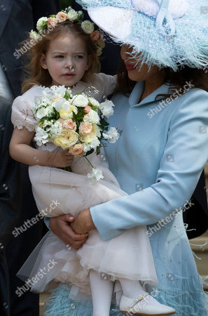 Bridesmaid Isabella Windsor with her mother Sophie Winkleman