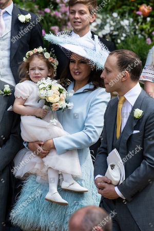 Sophie Winkleman and Freddy Windsor with Isabella Windsor.