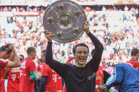 Cheftrainer Niko Kovac (FC Bayern Muenchen) left and Co-Trainer Robert Kovac (FC Bayern Muenchen), FC Bayern Muenchen - Eintracht Frankfurt, Bundesliga, 18.05.2019 DFL REGULATIONS PROHIBIT ANY USE OF PHOTOGRAPHS AS IMAGE SEQUENCES AND/OR QUASI-VIDEO