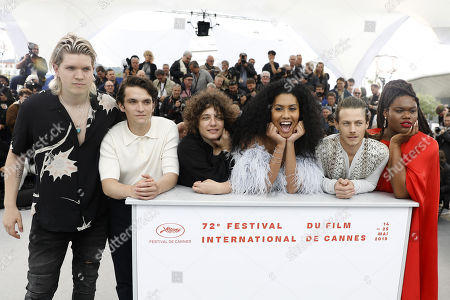 (2L-2-R) US actor Fionn Whitehead, US director Danielle Lessovitz, US actress Leyna Bloom, US actor McCaul Lombardi and cast pose during the photocall for 'Port Authority' at the 72nd annual Cannes Film Festival, in Cannes, France, 19 May 2019. The movie is presented in the section Un Certain Regard of the festival which runs from 14 to 25 May.