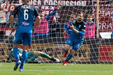 Empoli's Matteo Brighi (R) celebrates scoring during the Italian Serie A soccer match between Empoli FC and Torino FC at the Carlo Castellani stadium in Empoli, Italy, 19 May 2019.