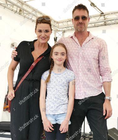 Sarah Parish her Husband James Murray & their Daughter Nell