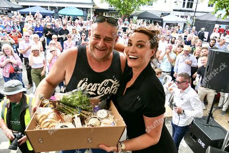 World Watercress Eating champion for 2019 Glenn Walsh from Alresford with Sarah Parish