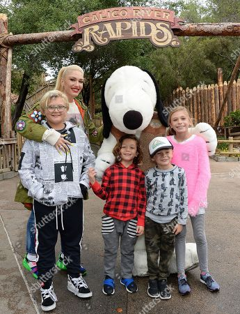 Stock Photo of Gwen Stefani and Kids Zuma and Apollo Rossdale