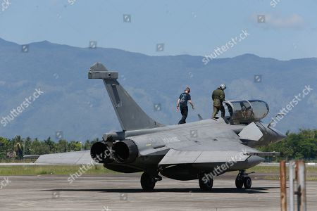 Rafale-type French Navy fighter Pilot make a final check up to his aircraft before taking off from Sultan Iskandar Muda Military Base at Aceh Besar, Indonesia, 20 May 2019. A total of seven French Navy Rafale-type fighters made an emergency landing at Sultan Iskandar Muda Military Base, Aceh Besar, Indonesia on 18 May 2019, due to bad weather. The emergency landing was carried out at the Aceh Besar base after the French fighters were taking part in an air exercise with French aircraft carrier Charles de Gaulle, which was reportedly covered in bad weather.