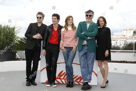 Benjamin Biolay, French actor Vincent Lacoste, French actress Chiara Mastroianni, French director Christophe Honore and French actress Camille Cottin pose during the photocall for 'Chambre 212' (On a magical night) at the 72nd annual Cannes Film Festival, in Cannes, France, 20 May 2019. The movie is presented in the section Un Certain Regard of the festival which runs from 14 to 25 May.