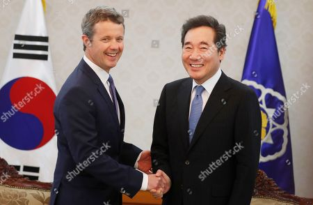 Crown Prince Frederik of Denmark (L), shakes hands with South Korean Prime Minister Lee Nak-yeon (R) prior to their meeting at the government office in Seoul, South Korea, 20 May 2019. Crown Prince Frederik and his wife Crown Princess Mary arrived in South Korea on a three-day visit to celebrate 60 years of diplomatic relations between the two countries.