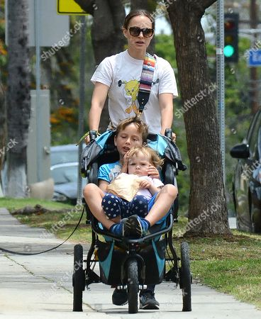Natalie Portman with children Aleph Portman-Millipied and Amalia Millepied