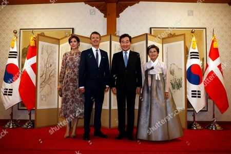 Crown Princess Mary (L) and Crown Prince Frederik of Denmark (C-L) attend a banquet hosted by South Korean Prime Minister Lee Nak-yeon (2-R) at the prime minister's official residence in Seoul, South Korea, 20 May 2019. Crown Prince and Princess of Denmark are visiting South Korea to celebrate the 60th anniversary of the establishment of diplomatic ties between the two countries.