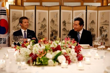 Crown Prince Frederik of Denmark (L) attends a banquet hosted by South Korean Prime Minister Lee Nak-yeon (R) at the prime minister's official residence in Seoul, South Korea, 20 May 2019. Crown Prince and Princess of Denmark are visiting South Korea to celebrate the 60th anniversary of the establishment of diplomatic ties between the two countries.