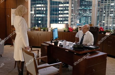 Elaine Hendrix as Susan Alders and Kelsey Grammer as Gore Bellows