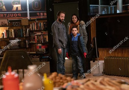 Vincent Kartheiser as Bodie Quick, Ricky J. Hawk as Nathan and Tiffany Dupont as Nikki Castro