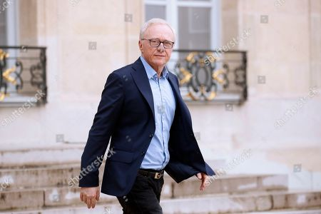 Israeli writer David Grossman leaves the Elysee following his meeting with French President Emmanuel Macron (not pictured) and others European Philosophers and Intellectuals in Paris, France, 21 May 2019.