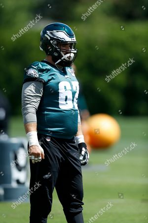 Philadelphia Eagles' Jason Kelce participates in a drill during organized team activities at the NFL football team's practice facility, in Philadelphia