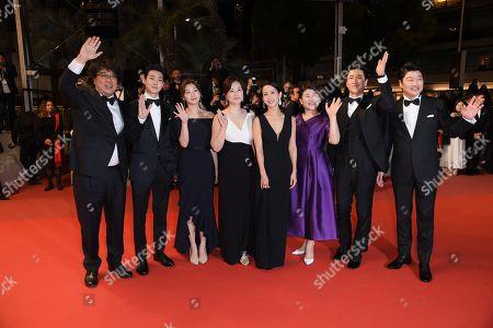 Bong Joon-Ho, Choi Woo-shik, Lee Sun-kyun, Cho Yeo-Jeong, Chang Hyae-Jin, Park So-dam, Lee Jung-Eun and Kang-ho Song