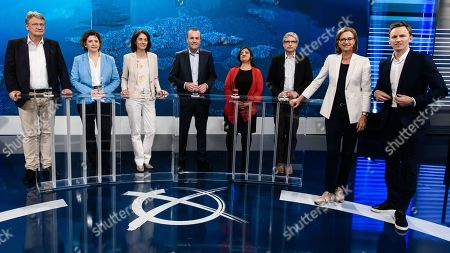 (L-R) The top candidates for the upcoming European Parliament Elections, Alternative for Germany party (AfD) chairman Joerg Meuthen, Free Democratic Party (FDP) deputy chairwoman Nicola Beer, German Minister of the Social Democratic Party (SPD) Katarina Barley, European People's Party (EPP) chairman Manfred Weber (CDU/CSU), The Left party (Die Linke) top candidate Oezlem Demirel, Green party (Die Gruenen) top candidate Sven Giegold and the hosts Bettina Schausten and Jochen Breyer attend the television debate 'How's it going, Europe?' (Wie geht's Europa?) ahead of the European election with the heads of the German Parties in Berlin, Germany, 21 May 2019.
