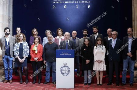 Santiago Munoz Machado (C), president of the Spanish Royal Academy and Chairman of Princess of Asturias Award for Literature panel, announces that US writer Siri Hustvedt (unseen) won the 2019 Princess of Asturias Award for Literature, next to the rest of the members of the panel, during a press conference in Oviedo, Asturias, northern Spain, 22 May 2019.The panel highlighted her concern about the essential issues of the contemporary ethics. The Princess of Asturias awarding ceremony will be held on next October.