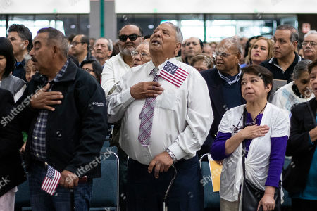 US Naturalization Ceremony Los Angeles Stock Photos (Exclusive
