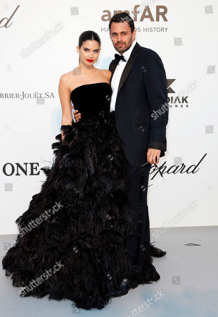 Sara Sampaio (L) and Oliver Ripley (R) attend the Cinema Against AIDS amfAR gala 2019 held at the Hotel du Cap, Eden Roc in Cap d'Antibes, France, 23 May 2019, within the scope of the 72nd annual Cannes Film Festival that runs from 14 to 25 May.