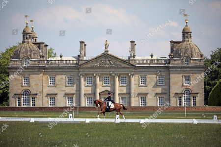 Nicola Wilson on Drumnaconnell Toto Wolff competes in the dressage in front of Houghton Hall at the Saracen Horse Feeds Houghton International Horse Trials