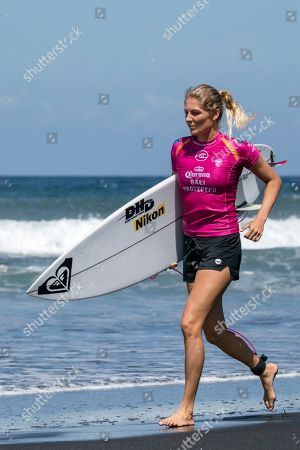 Australian Stephanie Gilmore prepares to surf during women's quarter final at the Corona Bali Protected surfing event as part of the 2019 World Surf League in Keramas, Bali, Indonesia, 24 May 2019.