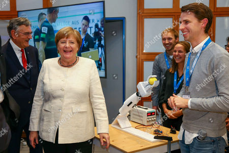 Angela Merkel visits the School of Robotics and Machine Intelligence, Munich