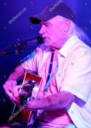 Singer/Songwriter Rick Edwards