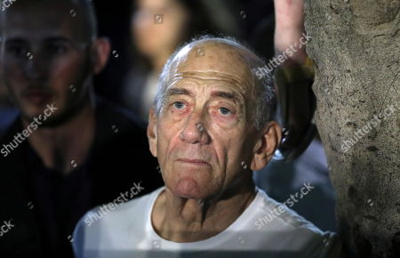 Former Israeli prime minister Ehud Olmert attends a protest for democracy and against Prime Minister Netanyahu's apparent intentions to pass the 'Immunity Law' in his upcoming coalition, in Tel Aviv, Israel, 25 May 2019 According to media reports, Netanyahu or his associates will try to legislate in the next Knesset personal laws intended to grant Netanyahu legal immunity and so to protect him from three indictments for bribery, fraud and breach of trust. The protest was organized by the opposition allicance Blue and White. Netanyahu has not yet succeeded in  forming the government and asked for an extension from President Rivlin until 29  May 2019 to complete the process of forming the government.