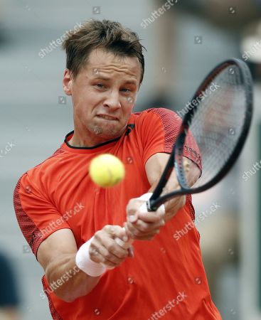 Ricardas Berankis of Lithuania plays David Goffin of Belgium during their men?s first round match during the French Open tennis tournament at Roland Garros in Paris, France, 26 May 2019.