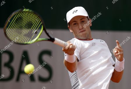 Casper Ruud of Norway plays Ernests Gulbis of Latvia during their men?s first round match during the French Open tennis tournament at Roland Garros in Paris, France, 26 May 2019.